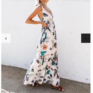 VICI LOVESTITCH Sacred Gardens Maxi Dress  Medium